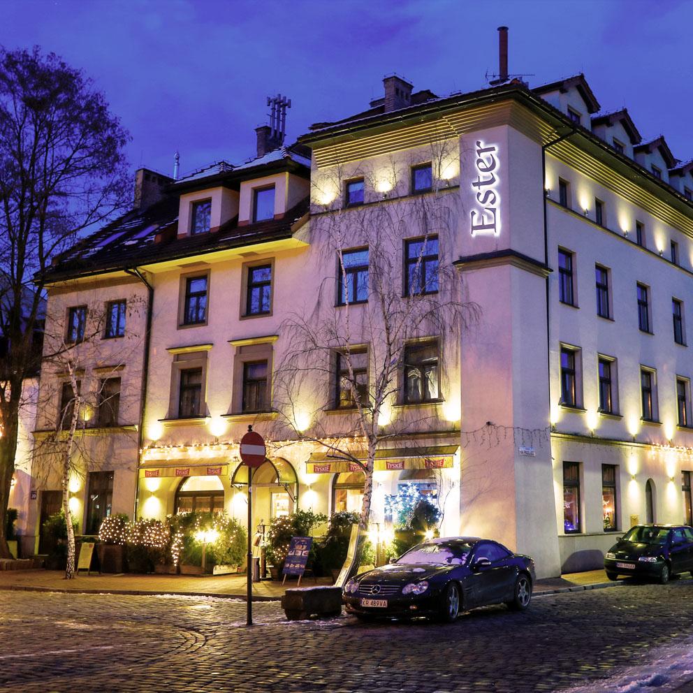 Fachada del Hotel ESTER